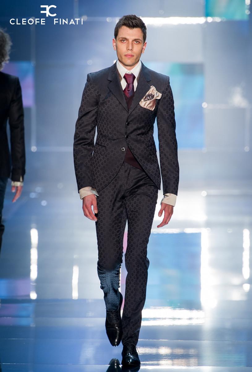 Daniele Paudice wears a Cleofe Finati suit