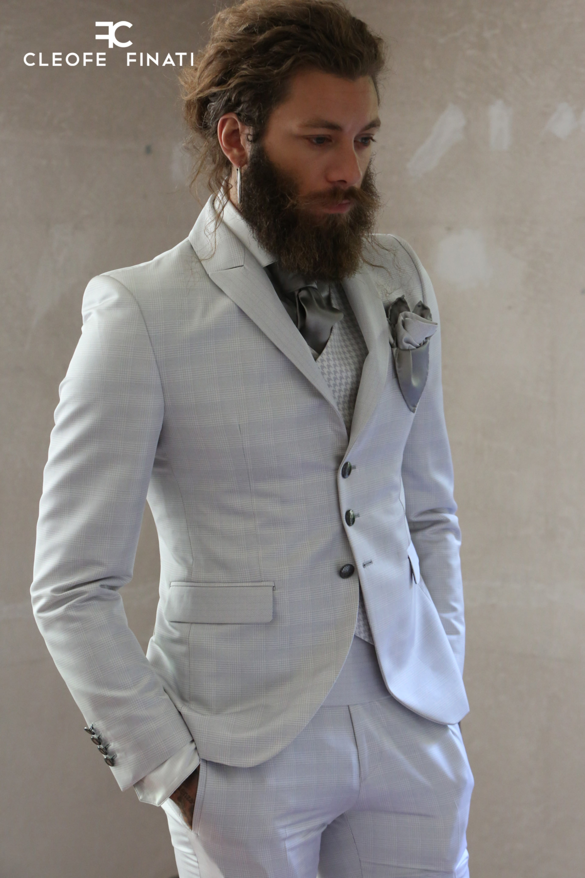 Andrea Marcaccini wears a suit of the Luxury Collection by Cleofe Finati