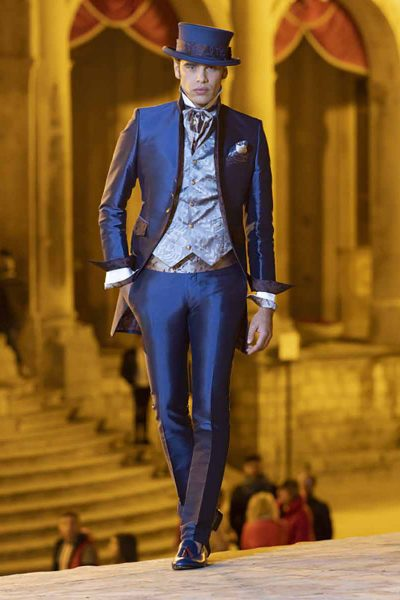 Lightning blue fashion wedding suit 100% made in Italy by Cleofe Finati