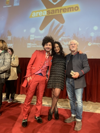 """The made in Italy of cleofe finati will be official partner at Sanremo 2020 . The dandy is the Calabrian Gianni Testa in the jury of """"Area Sanremo 2019"""""""