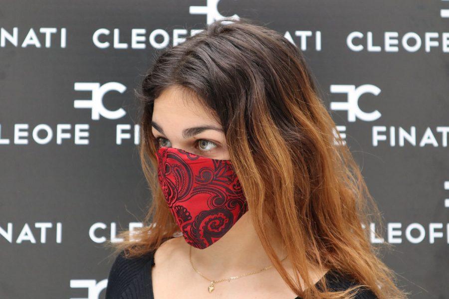 Maschera in seta Anemone by Cleofe Finati