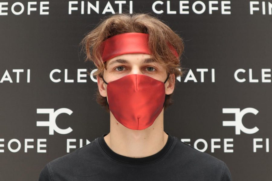 Glamorous red mask in silk Ibisco by Cleofe Finati