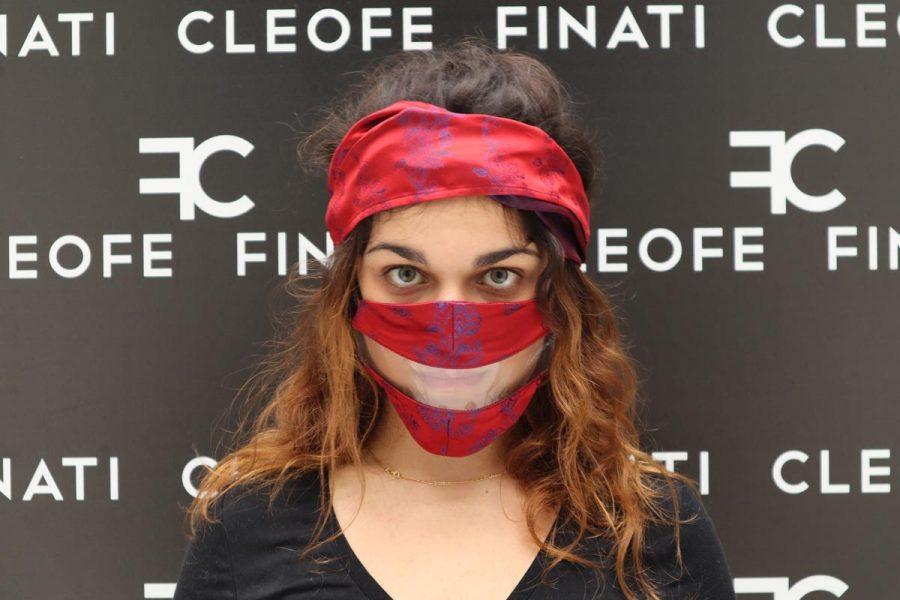 Mascherina DEL SORRISO in SETA rossa Begonia by Cleofe Finati