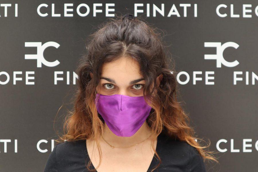 Violet mask in silk Glicine by Cleofe Finati